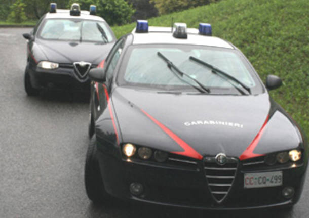 auto carabinieri foto