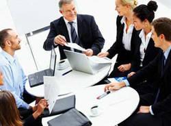 economia apertura riunione manager impresa