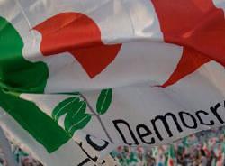 partito democratico bandiere apertura