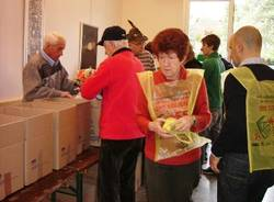 colletta alimentare 2010 all'Esselunga di Masnago
