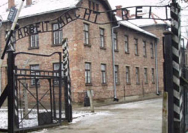 Auschwitz apertura