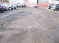 parcheggi sterrati busto arsizio 24-1-2011 buche fango