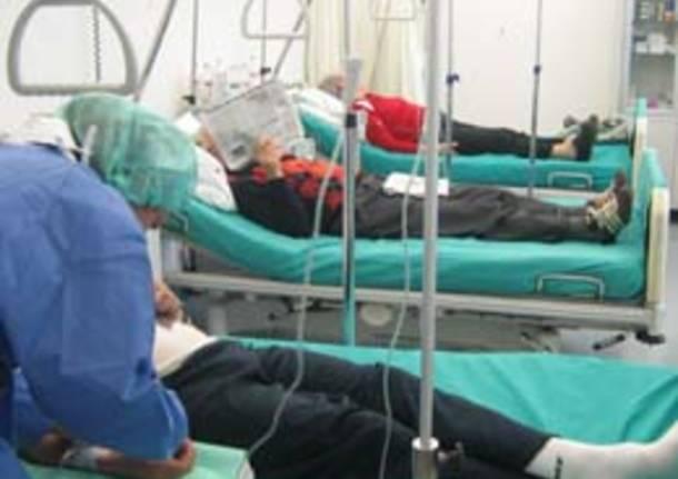 pazienti infermieri medicina assistenza ospedale
