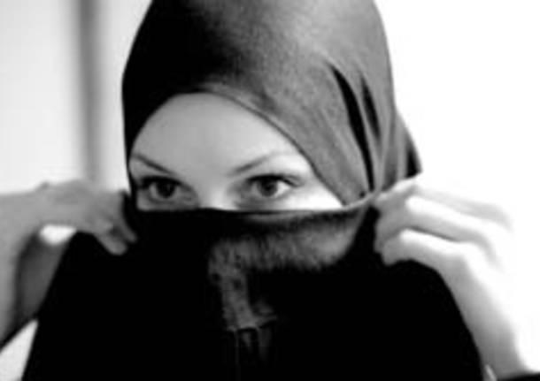 donna islamica velo