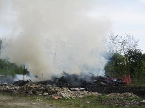 incendio cassano magnago via boscaccio aprile 2011
