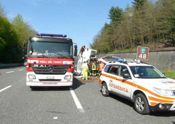 incidente autostrada vergiate a26 cisterna aprile 2011