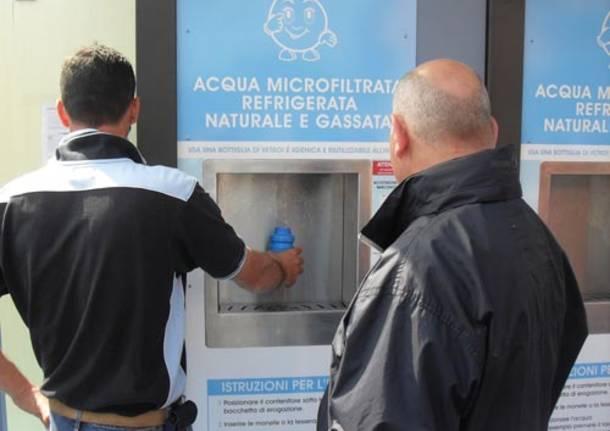 Casette dell 39 acqua da record erogati oltre 5 milioni di for Permettono di riscaldare senza inquinare