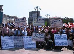 disabili manifestazione pisapia moratti