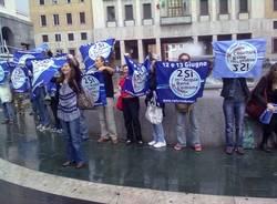 flash mob acqua pubblica piazza monte grappa