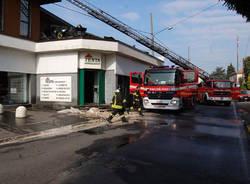 incendio cardano al campo maggio 2011