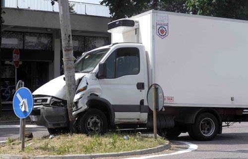 incidente camion busto arsizio