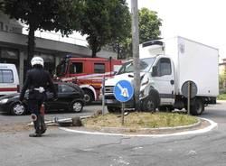 incidente camion busto arsizio