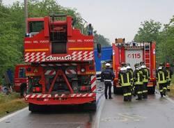 incidente mortale auto camion cislago 31 maggio 2011