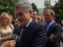 massimo d'alema busto arsizio carlo stelluti nupigeco maggio 2011