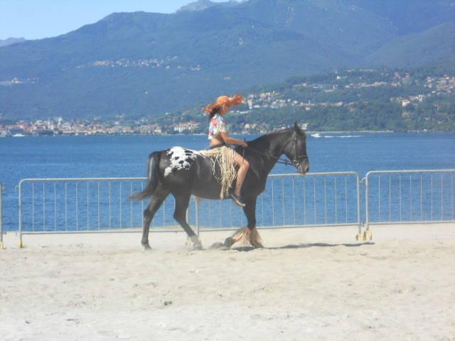 Cavalcando in riva al lago !