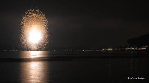 fuochi d'artificio meina lago maggiore