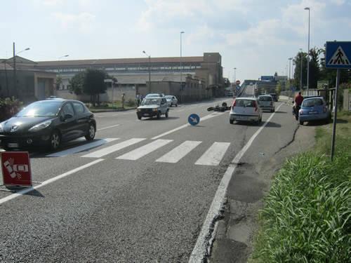 incidente busto arsizio cinque ponti auto moto 17 agosto 2011
