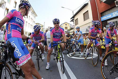 tre valli partenza besozzo agosto 2011 ciclismo