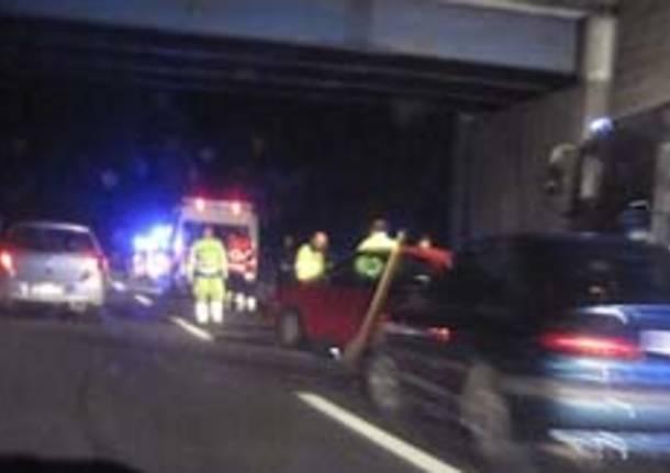 incidente autostrada notte castronno