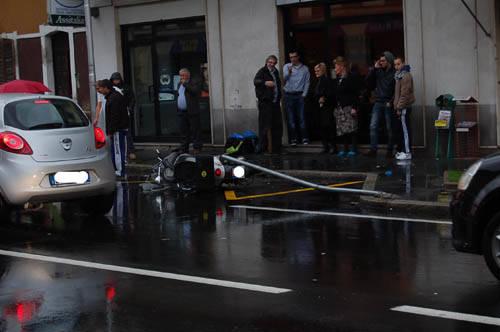 incidente castellanza motorino scooter pioggia