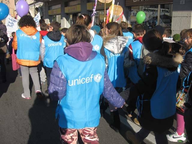 marcia dei diritti dei bambini varese scuole 2011 unicef