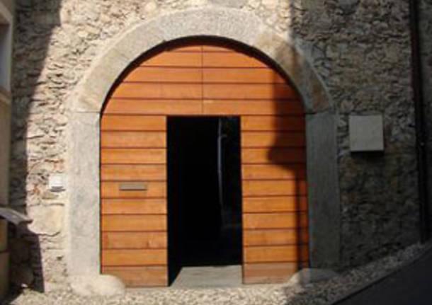 portone ingresso museo bodini gemonio