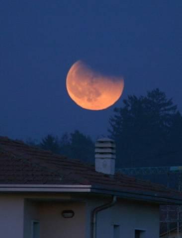 Eclissi di Luna (inserita in galleria)