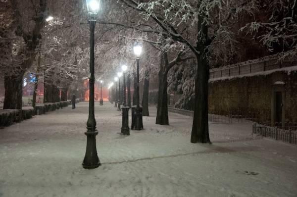 Domenica con la neve (inserita in galleria)