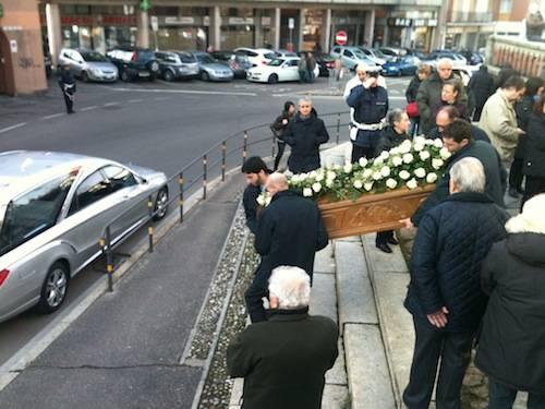 Funerale coniugi Deligios (inserita in galleria)