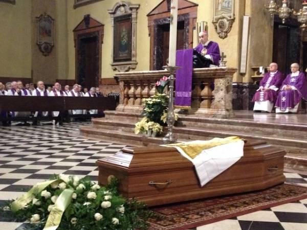 Funerali don Marco (inserita in galleria)