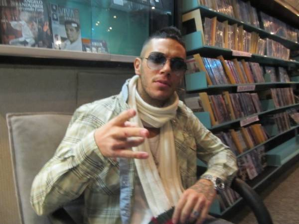 Il rapper Emis Killa a Varese (inserita in galleria)