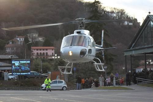 La befana in elicottero (inserita in galleria)