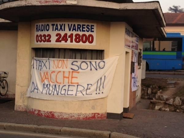 La protesta dei tassisti (inserita in galleria)