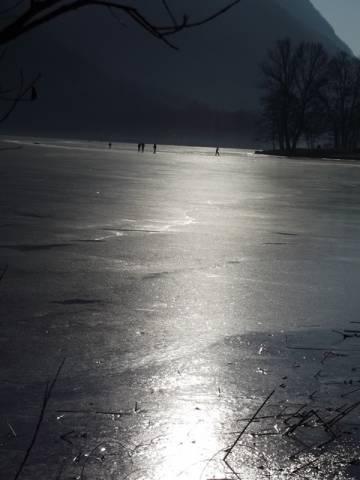 Lago di ghirla ghiacciato (inserita in galleria)