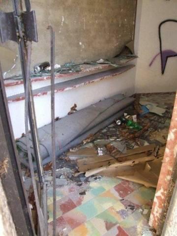 Vandalismi a villa Mylius (inserita in galleria)