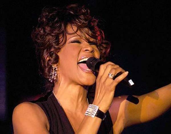 Addio a Whitney Houston (inserita in galleria)