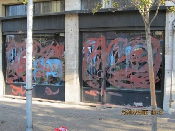 Atti vandalici in negozio Laveno (inserita in galleria)