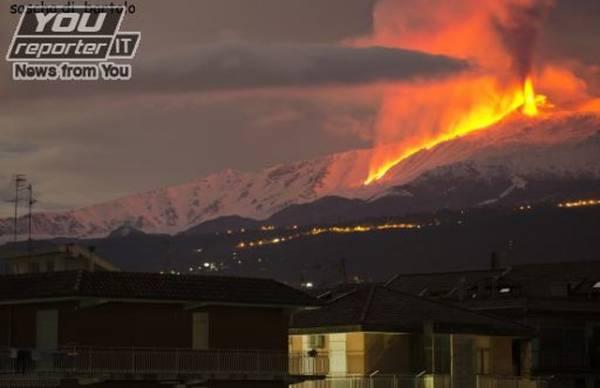 Etna, l'eruzione (inserita in galleria)