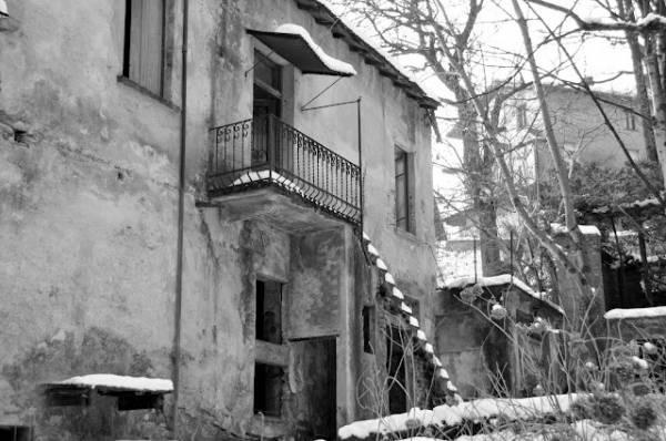 Ghiaccio e neve alla prima cascata di Cittiglio (inserita in galleria)