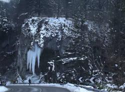 Grotte della Valganna, uno spettacolo di ghiaccio (inserita in galleria)