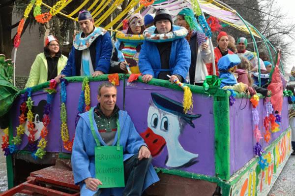I carri del Carnevale a Busto (inserita in galleria)