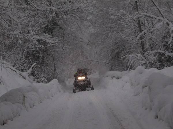 I soccorsi nella neve del centro-Italia (inserita in galleria)