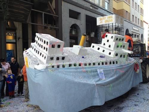 La sfilata di carnevale a Varese/2 (inserita in galleria)