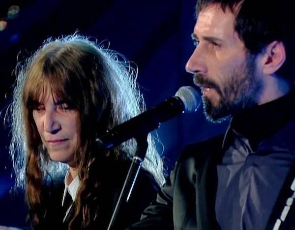 Sanremo 2012, una serata di duetti internazionali (inserita in galleria)