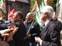 I lavoratori Whirlpool incontrano il sindaco di Biandronno (inserita in galleria)