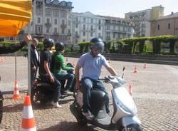 In scooter tra i birilli: si impara a guidare (inserita in galleria)