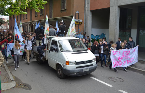 Legalitàlia, cinquemila giovani in piazza (inserita in galleria)
