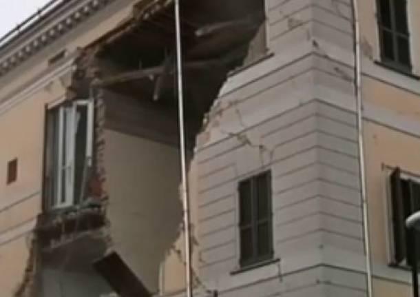 Crolla un pezzo del municipio di Sant'Agostino