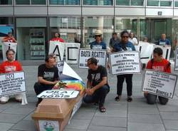 Elcon, manifestanti davanti alla Regione (inserita in galleria)