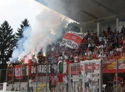 I tifosi salutano il primo allenamento del Varese (inserita in galleria)